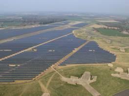 ogromna farma fotowoltaiczna w Anglii