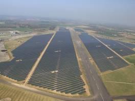 Duża farma fotowoltaiczna w Anglii