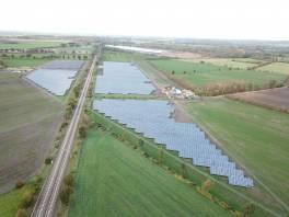 Zielona energia paneli słonecznych